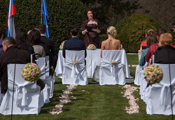 Civil wedding ceremony_Strmol Castle_Slovenia - Castle wedding