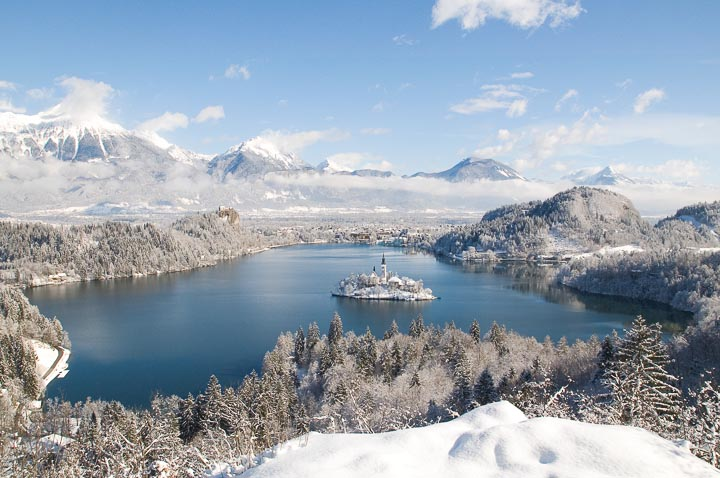 5 good reasons for Christmas wedding at Lake Bled